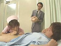 看護婦さんが入院患者と見舞い客をシコシコしてくれるよ