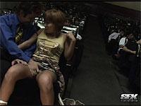 映画館で発情するバカップル!