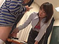 ショタ教師が教室で男子生徒を強制射精させる