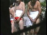 ふんどし男達の野外放尿を盗撮