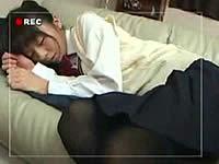 酒で酔わせた女子校生を寝ている間に犯す