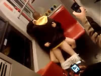 地下鉄でセックスしているカップルが目撃され問題に ─ オーストリア