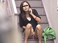 階段でこっそり放尿したらバレないよね?