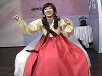 チマチョゴリを着た韓国人女性と韓流セックス!