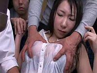びしょ濡れで透け透けな巨乳娘がバスに乗ってきたので痴漢