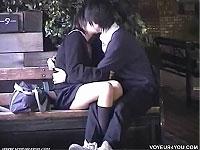 屋外でまったりキスしてるカップルたちを隠し撮り