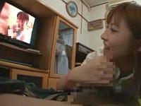 成瀬心美が自分のDVDを見ながらファンのオナニーをお手伝い