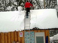 屋根の雪かき中に起きたハプニング