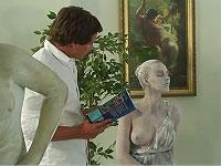 不思議な美女の石像が男を誘惑して......