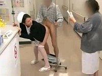 患者に頼まれてナースステーション前で性交するナース