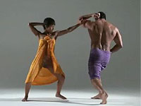 華麗なエロダンスとアクロバティックなエロマッサージ