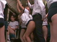 ブルマだらけのバスに乗ったらブルマギャルに尻を擦り付けられた