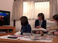 エロDVDを見て興奮した娘の友達とSEXすることになった