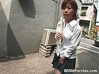 マ○コにビー玉を入れて歩く女子校生