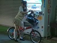 メガネ女子校生の自転車に媚薬を塗ったらサドルオナニー始めた