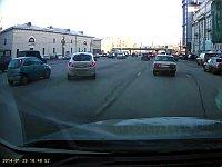 ロシアの女の子によるクレイジーすぎる縦列駐車