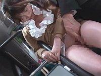 泥酔した同僚に興奮したのでバスの中で漏らすほど感じさせて尻コキ