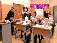 女子校の教師が時間を止めて落書き・異物挿入・レイプとヤリたい放題!