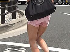 街中でお漏らししながら歩いている女を発見www