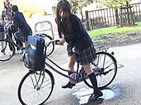 女子校生の自転車のサドルに媚薬を塗ったったwww