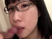 地味で気弱そうな眼鏡っ娘にフェラ手コキしてもらいました
