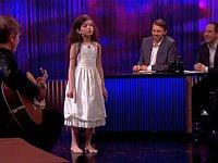 少女(7歳)が歌う「Fly Me to the Moon」がセクシー