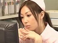 仕事中に妄想オナニーする看護師さん
