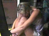 男に肉便器として監禁されたロシアの金髪娘
