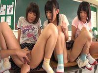 夏休みの校内でパイパン小○生とエッチな体験学習しちゃいました!