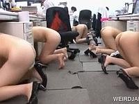 全裸の防災訓練で備えあれば憂いなし♪
