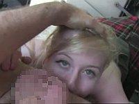 自分のフェラ顔をTwitterに載せるイギリスのブロンド娘