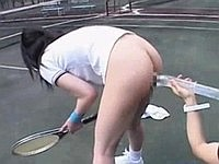 下半身露出テニスをする女子に、時間を止めてイタズラ!