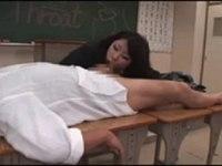 生徒のチ○ポを丸呑み!雪野先生のディープスロート口座(講座)