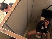 オッサンのクッサイ靴下に興奮してトイレで逆ナンハメハメするOL