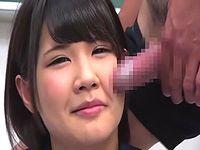 女子校生の顔面にひたすらチ○コを擦りつける顔コキプレイ