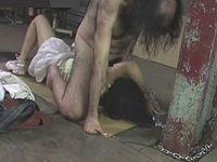 悲劇!浮浪者に拉致監禁されて犯され続ける女の子