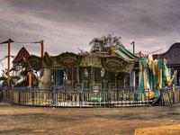 Abandoned Amusement Escape 遊園地の廃墟から脱出するゲーム