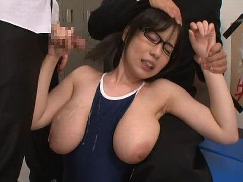 不良男子グループに性処理オモチャにされるIカップ爆乳の地味眼鏡っ子