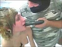 【外国】強盗に銃で脅されて鬼畜に犯されるブロンド娘