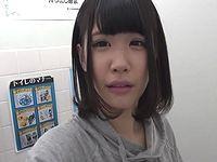 AV女優 白咲碧は公衆トイレにやってきた一般男性を何分で射精させられるか?