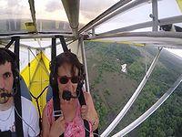 飛行中のセスナにとんでもない搭乗者が潜んでいたニャン!