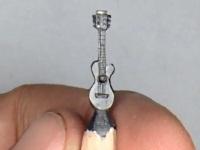 鉛筆の芯でギターを彫ってみた