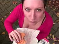 【外国】ハンバーガーの隠し味はマヨネーズ的な白濁した液体