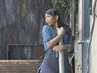ゲリラ豪雨で服がびしょ濡れスケスケになった人妻を捕獲!レイプ!
