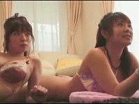 Wiiに夢中な爆乳の女の子たちに悪戯SEXをしてみた