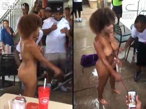ドラッグをキメすぎて全裸で大暴れする黒人女性の一部始終