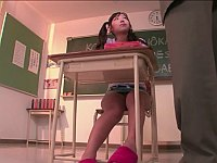 【無修正】ご主人様に一人残った教室で宿題(自慰)をしろと命令された女の子