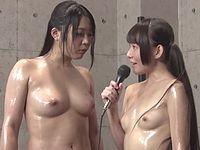ロリ系AV女優小西まりえが全裸オイルキャットファイトに参戦した結果www