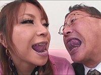 英会話のレッスンで巨乳ギャルにキスやセックスで舌使いを教える変態教師