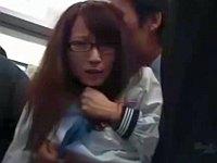 誰に触られてるか分からないほど近眼なメガネッ子を電車でレイプしてみた